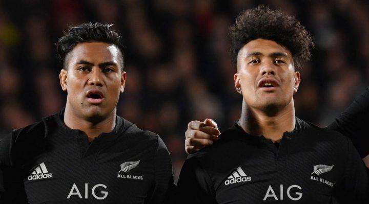 Aún con solo 26 años, Faumuina dice que el momento sería perfecto para que Savea, bien, intentara su suerte en la liga de rugby